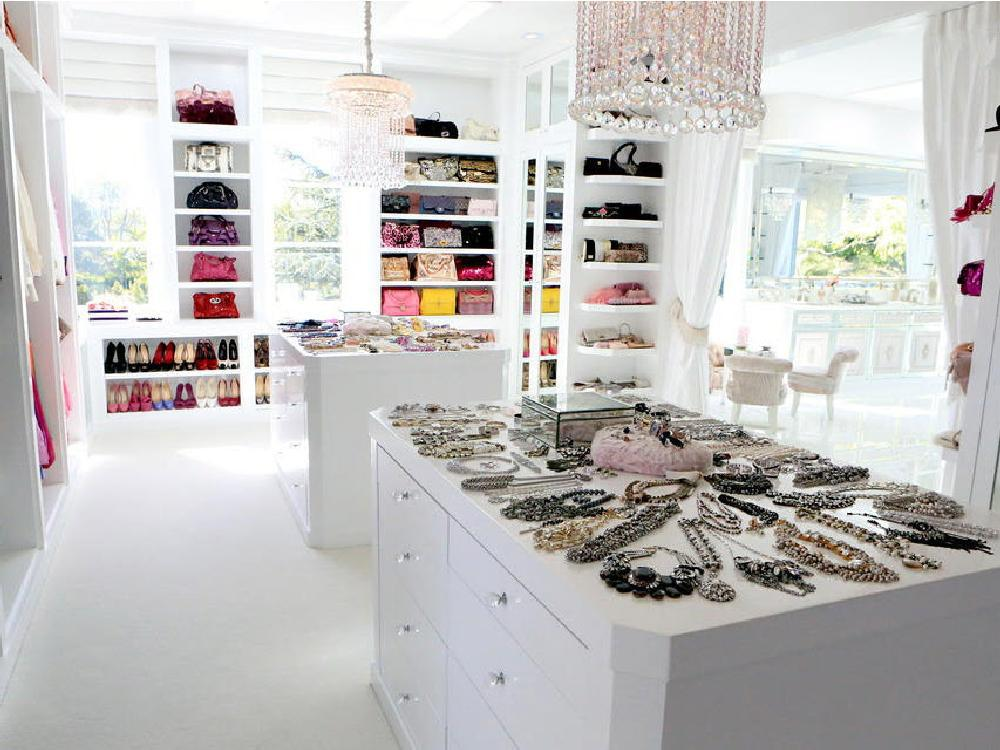 Real Housewives Of Beverly Hills Star Lisa Vanderpumpu0027s All White Closet  Showcases The Beautiful Things In It, Instead Of The Room Itself.