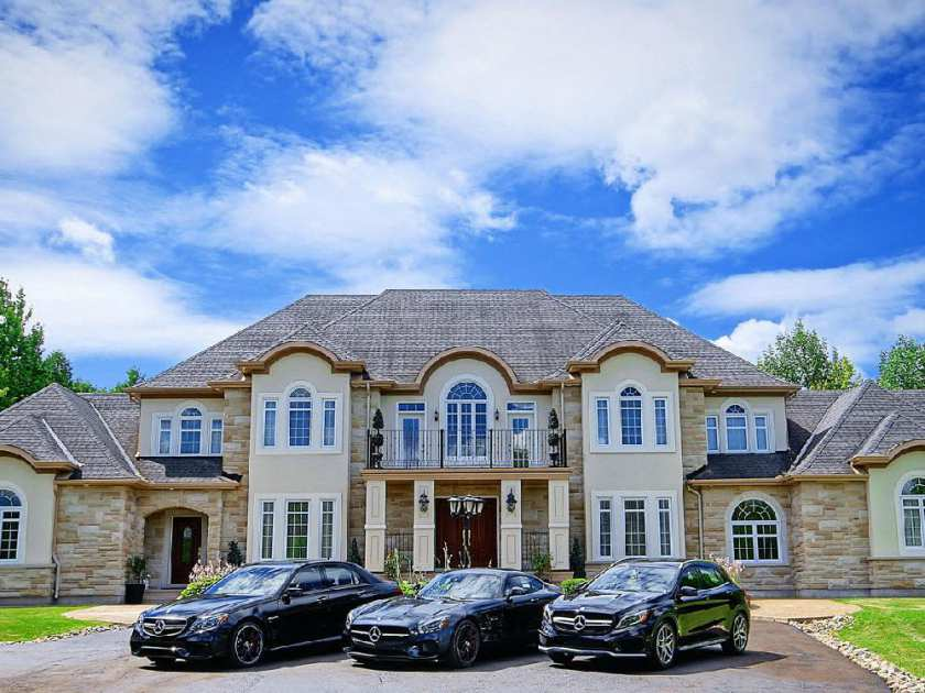 Luxury Realtor Marilyn Wilson Has Teamed Up With Mercedes Dealer Star  Motors For A Rare Open House At A Million Dollar Property.